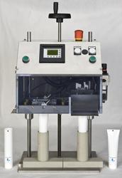 Machine a fermer les tubes plastiques et lamines 1
