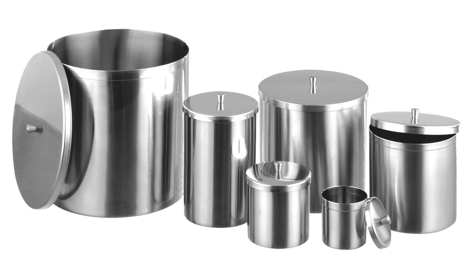 Pots avec couvercles 2
